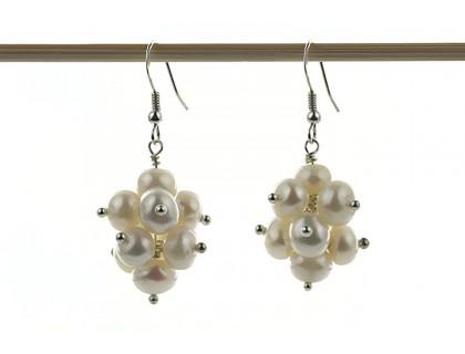 Cercei ciorchine din perle de cultura albe