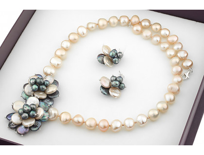 Set exclusivist din perle naturale Biwa si baroc