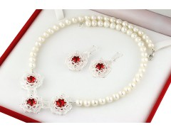 Set perle de cultura albe si cristale Swarovski