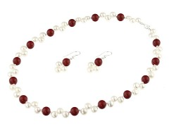 Set perle de cultura albe si perle de Mallorca rosii