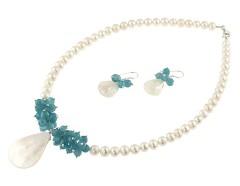 Set perle de cultura albe, cuart albastru si sidef