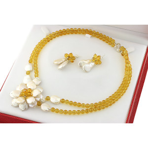 Set exclusivist cu flori din perle naturale Biwa si citrin