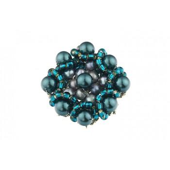 Brosa brodata din perle de Mallorca teal si perle de cultura
