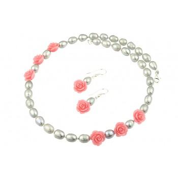 Set perle de cultura si trandafiri coral roz