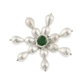 Brosa fulg din perle de Mallorca si jad verde
