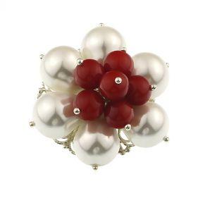 Brosa floare din perle albe si rosii