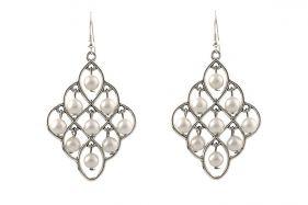 Cercei candelabru din perle de Mallorca albe