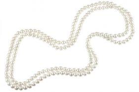 Colier lung din perle de Mallorca albe