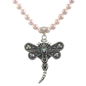 Colier unicat din perle naturale, libelula din argint si mistic topaz