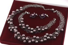 Set crosetat din perle de Mallorca mov, cristale Swarovski si argint