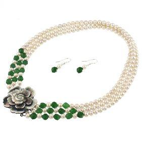 Set versatil din perle naturale, jad si floare sidef